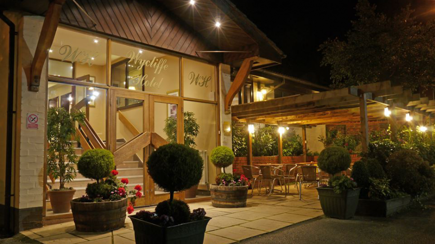 Wycliffe Hotel and Restaurant Stockport Outside On A Summers Evening